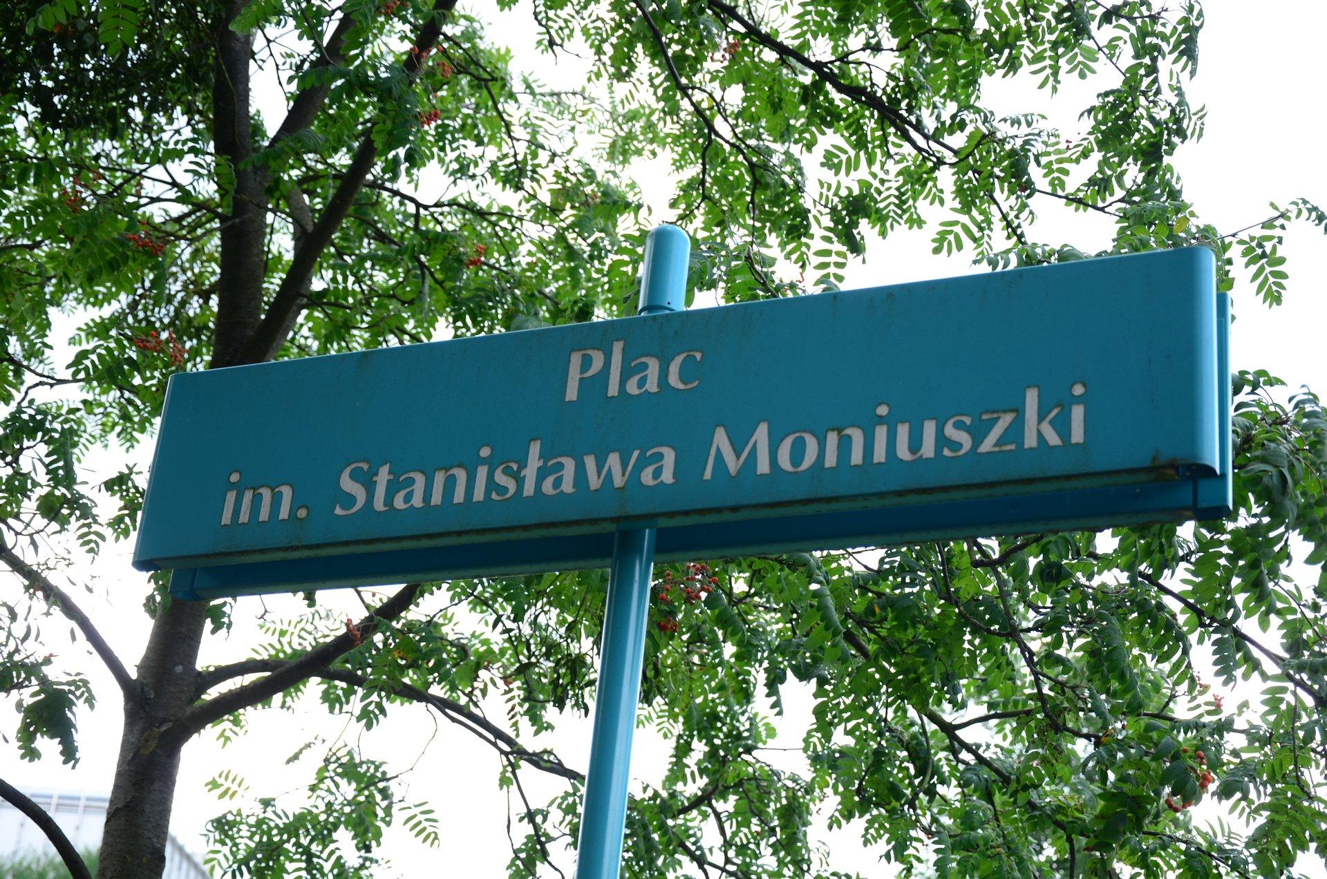 Plac im. Stanisława Moniuszki tablicafree photo darmowe zdjęcie