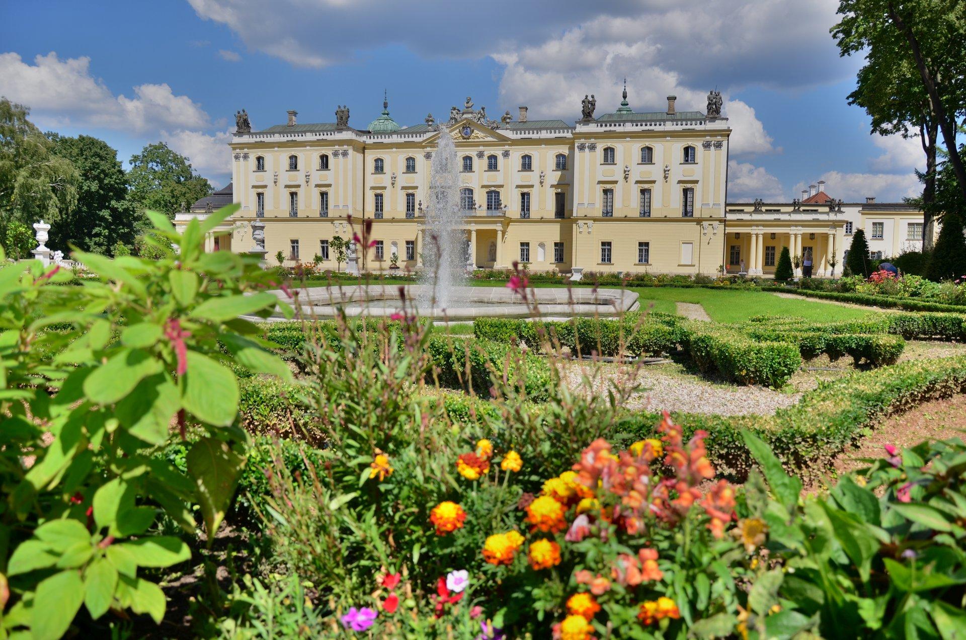 Białystok Pałac Branickich w Białymstoku ogród Wersal Podlaskifree photo darmowe zdjęcie