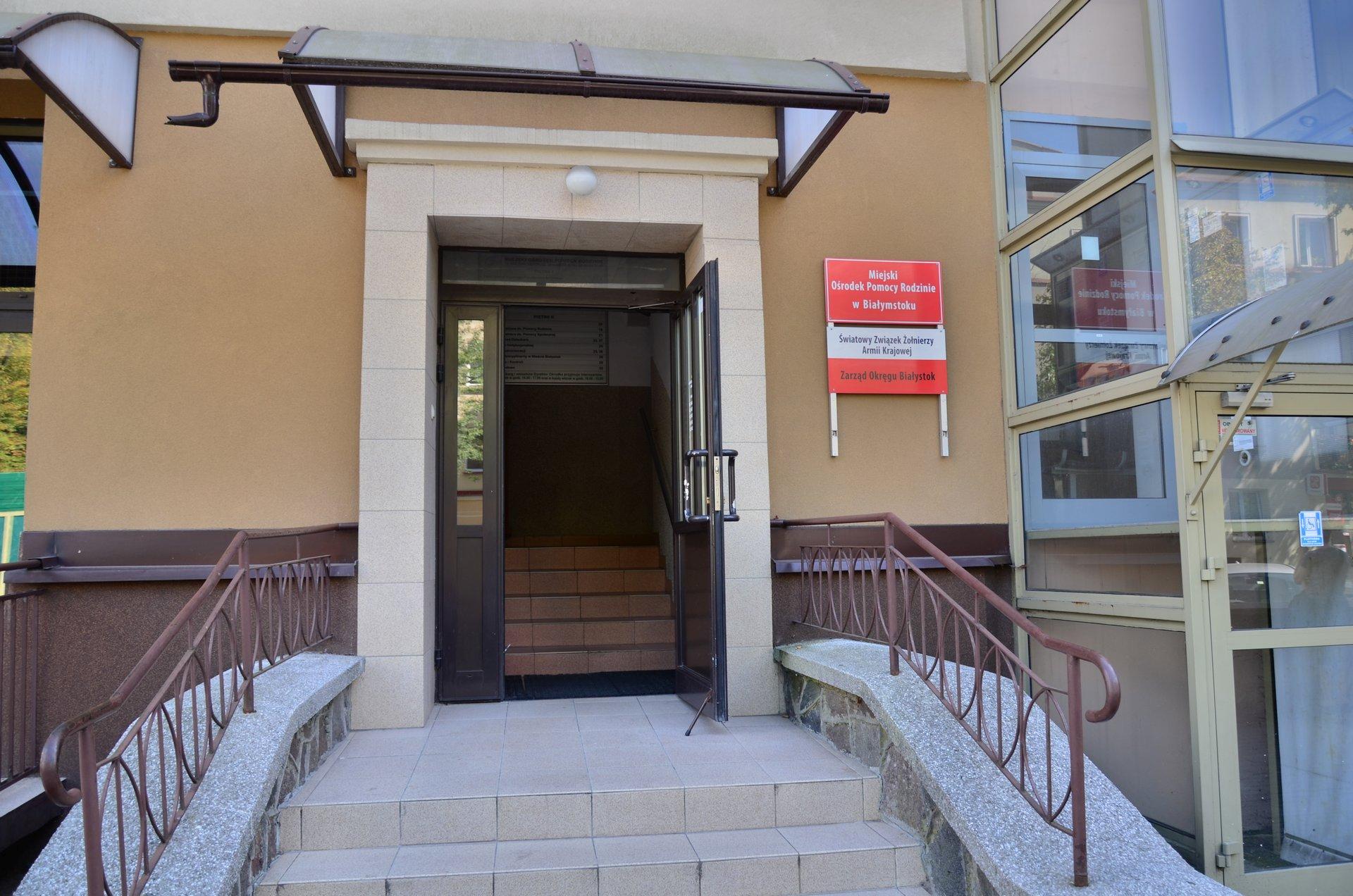 Białystok Malmeda Miejski Ośrodek Pomocy Rodzinie MOPRfree photo darmowe zdjęcie