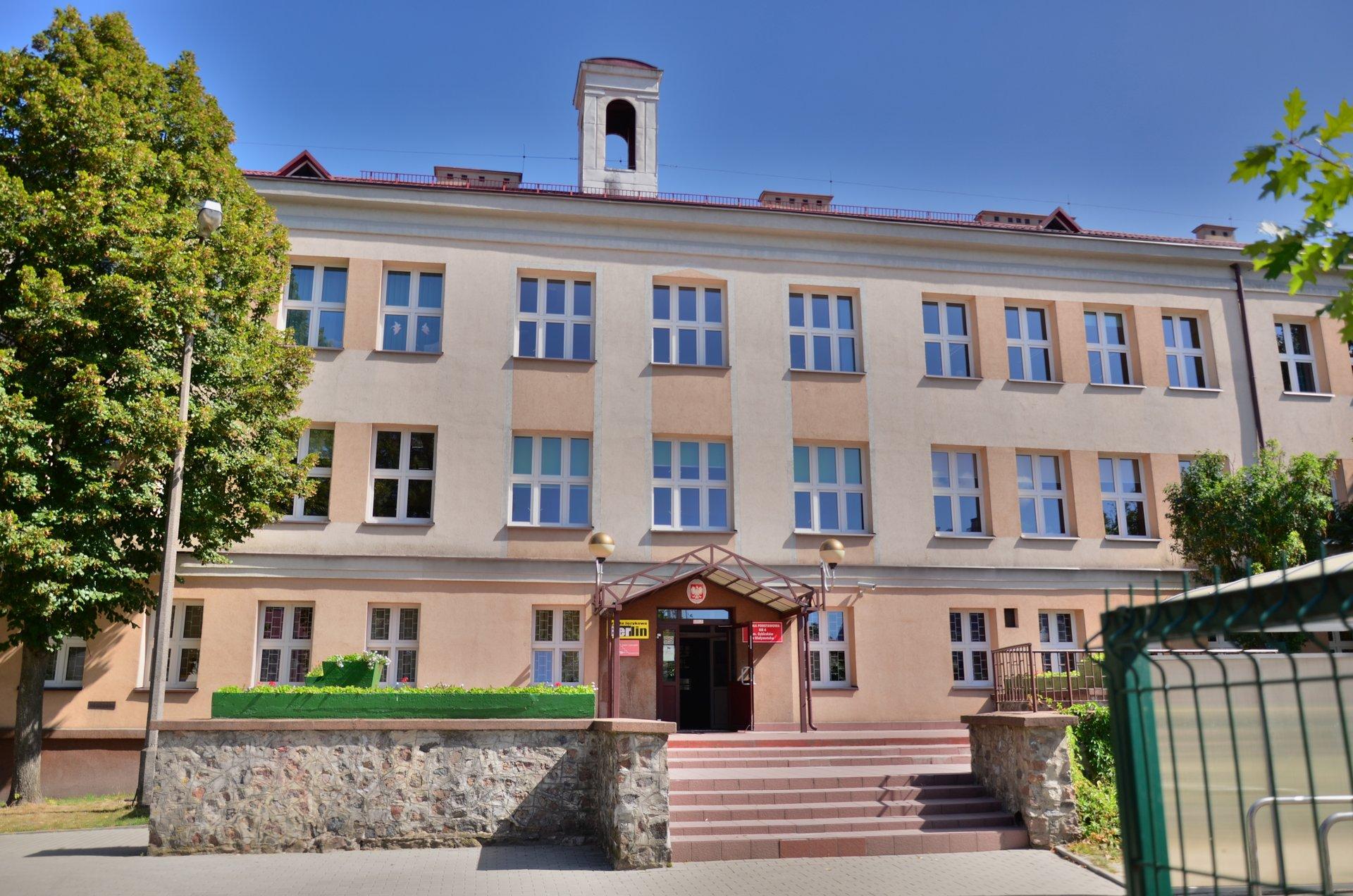 Białystok Częstochowska SP4 Szkoła Podstawowa nr 4free photo darmowe zdjęcie