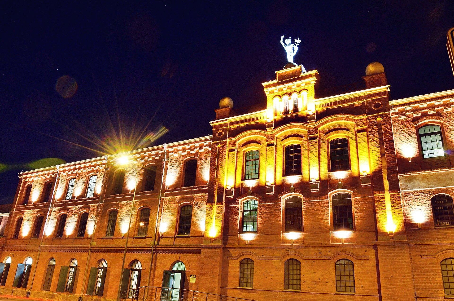 Białystok centrum noc nocą Galeria Alfa Świętojańskafree photo darmowe zdjęcie