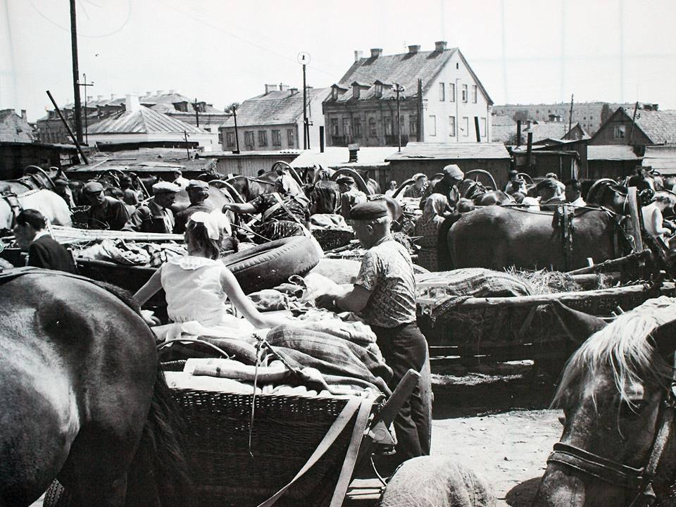 Z życia  miasta 1933 r. ( 4)