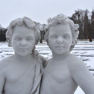 Coraz więcej rzeźb w Pałacu Branickich