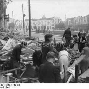 Bezirk Białystok. Miasto pod niemiecką okupacją. Jak sukcesywnie wymordowano mieszkańców.