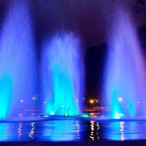 Kolorowe fontanny na Plantach zachwycają jak dawniej! Zobacz film i fotki.