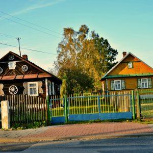 Jak się żyje w Krainie Otwartych Okiennic? Turyści przyjeżdżają z całej Polski i ze świata!