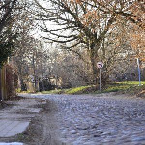Ostatnie takie osiedle w Białymstoku. Wąskie uliczki i drewniane domy. Za kilka lat może tam być już zupełnie inaczej.