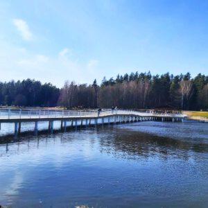 Zalew w Czarnej Białostockiej wypiękniał. Teraz to świetne miejsce do rekreacji!