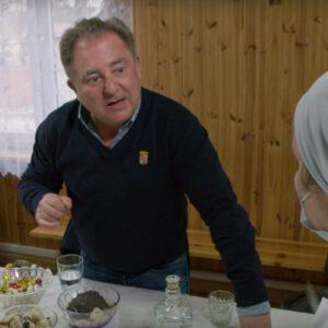 Robert Makłowicz nie skończył z Podlasiem. Stół się uginał od jedzenia!